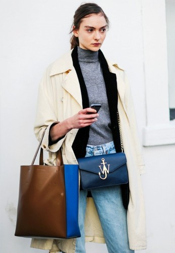 tk-chic-and-simple-street-style-looks-from-paris-fashion-week-1919329-1475081547-600x0c